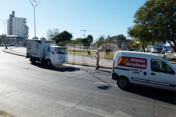 Murió un limpia vidrios embestido por un camión en avenida Alem