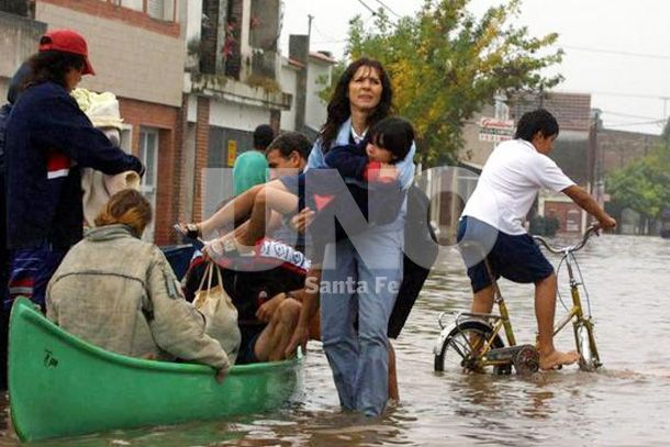 """""""Están usando la inundación para hacer marketing político"""""""