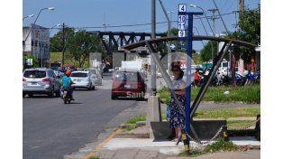 Se colocan garitas de colectivos en las avenidas Aristóbulo del Valle y Peñaloza