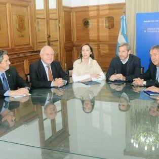 Los representantes provinciales y de la Nación en el marco de la reunión