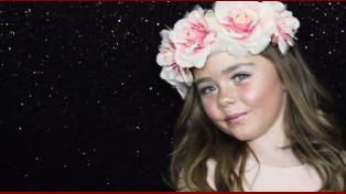 Polémica por los tutoriales de maquillaje de una niña de 6 años
