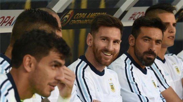 Sacate el sombrero: así le respondió Messi a Maradona