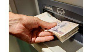 Aguinaldo: se aplican las retenciones en ganancias hasta que se modifique la ley