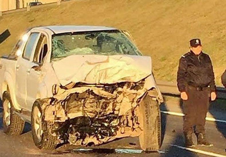 DE FRENTE. La Toyota robada y luego chocada por el ladrón fallecido. Foto: ElDiario