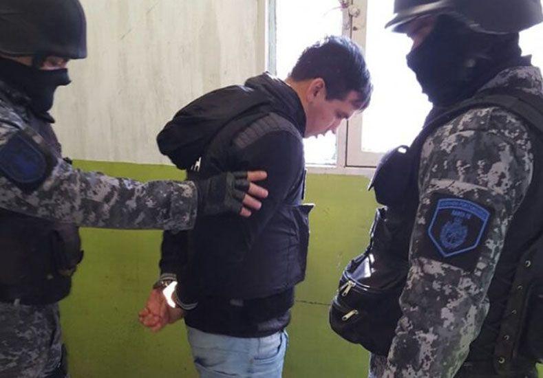 Advirtieron que Monchi Cantero pasó la noche en la misma celda que los demás integrantes de Los Monos.//La Capital.