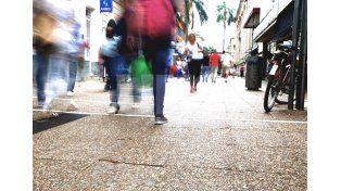 Recomendación. Desde el Centro Comercial recomiendan abrir las puertas el viernes 17 / Foto: Mauricio Centurión - Uno Santa Fe