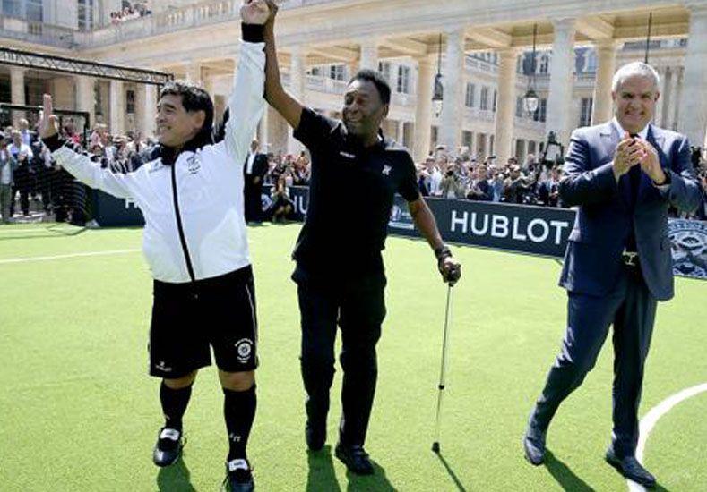 Los astros del fútbol se reunieron en la capital de Francia para participar de un evento de promoción. Foto:  AFP