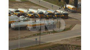 Por un paro de Camioneros, podría faltar combustible el fin de semana