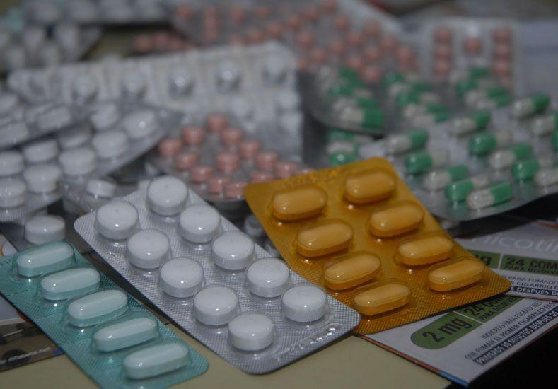 En análisis. Algunos de los medicamentos que se incorporarían serían para los adultos mayores.
