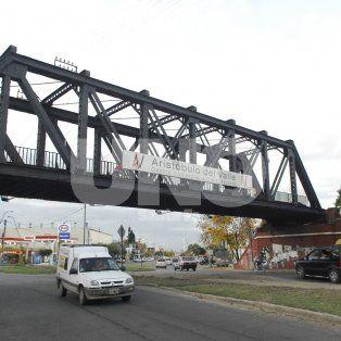 Estacionamiento. Desde el Puente Negro hacia el norte se requieren más lugares para aparcar los autos.