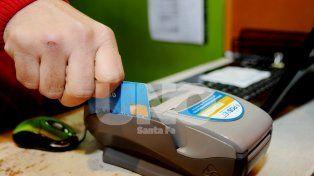 En cinco comercios. El ilícito se cometía porque la banda magnética de la tarjeta era dañada.