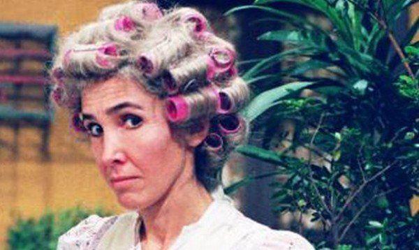 Doña Florinda no tiene consuelo, se queda sin la sonrisa del entrañable profesor Jirafales