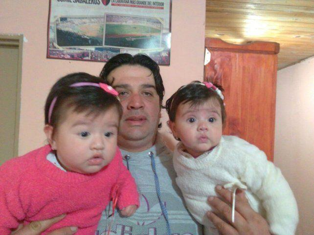 Emanuel Isa. El 28 de diciembre de 2015 llegaron a su vida las mellis Camila y Sol.