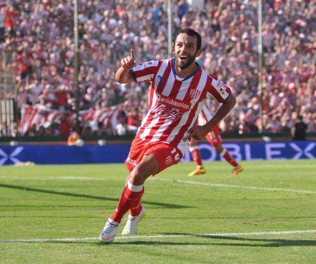 El gol a Colón fue el que terminó de sellar su cariño con la gente. Foto: M. Testi