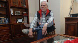 José Vignatti en el living de su casa atendió a Ovación y en un reportaje extenso habló del pasado y del futuro. Foto: José Busiemi