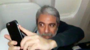 Increparon a Aníbal Fernández en un avión y él no se quedó atrás