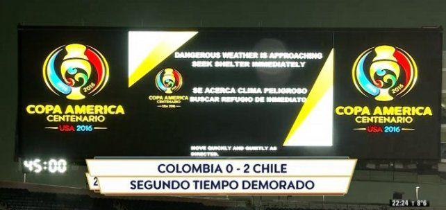 Por alerta de tornado, se demora el segundo tiempo de Colombia-Chile