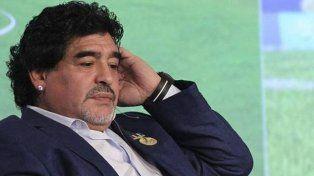diego maradona lapidario con mauricio macri: no sabe leer y es presidente