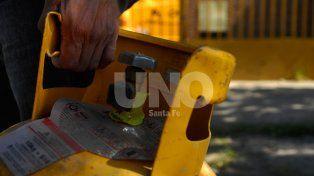 Continúa el expendio de garrafas a precio diferencial en cuatro sectores de la ciudad