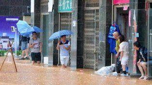 Más de 90 muertos y 800 heridos por fuertes tormentas y tornados en China