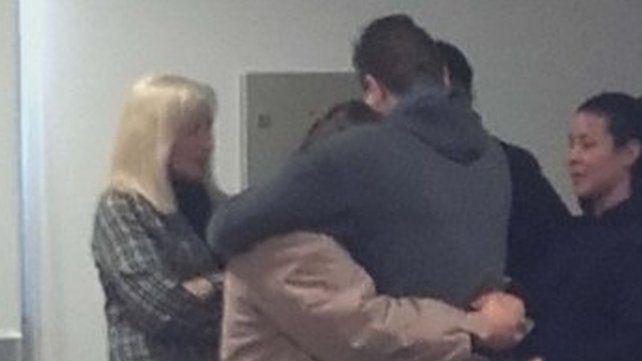 Condenan a una mujer y a su hijo por asesinar al padre de la familia
