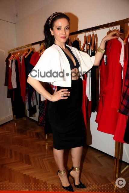 Natalia Oreiro, súper sexy en la apertura de su nuevo local de ropa