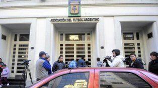 La jueza Servini ordenó a la AFA desconocer la notificación de la FIFA