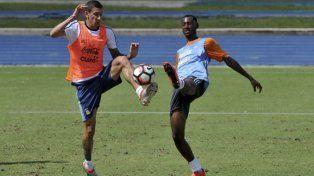 Sorpresa: Di María entrenó con los titulares que jugarían ante Chile