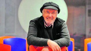 Javier Martínez. Su disco Pensá Positivo es un registro de 13 canciones de su autoría.