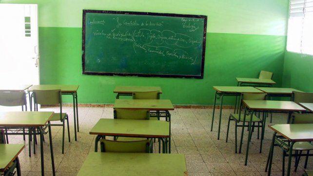 Reconquista: denunciaron que un maestro tomaba alcohol en clases