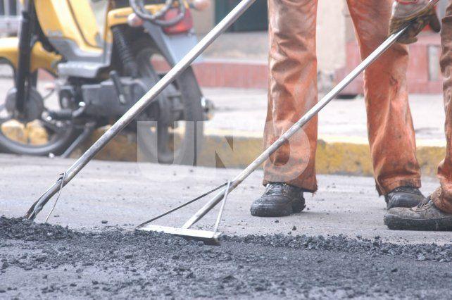 Hace un mes que Vialidad Provincial no consigue asfalto y hay atraso en algunas obras
