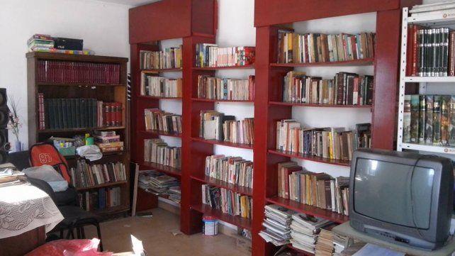 Todo listo. Se realizó una campaña para juntar libros; y la ONG donó más y acondicionó el lugar.