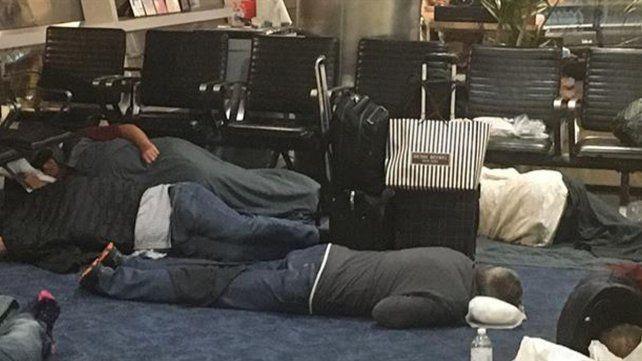 Julio Cobos cenó en Estados Unidos por US$8 y durmió en el piso