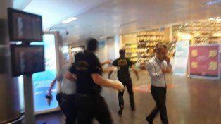 Atentado en Estambul:  dos explosiones en un aeropuerto deja al menos 28 muertos y más de 60 heridos