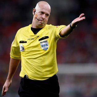 ¡tarjeta roja!: se filtran fotos hot que serian del arbitro brasileno de argentina-chile