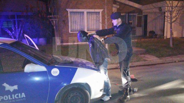 Robaron una vivienda y cuando escapaban los atrapó la Policía