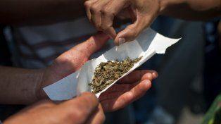 Un futbolista fue detenido vendiendo marihuana y paco