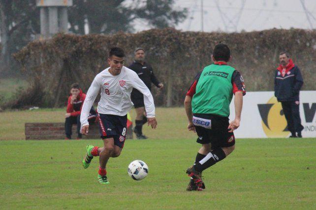 El equipo de Madelón llevó adelante los primeros 70 de fútbol ante una formación de Patronato.