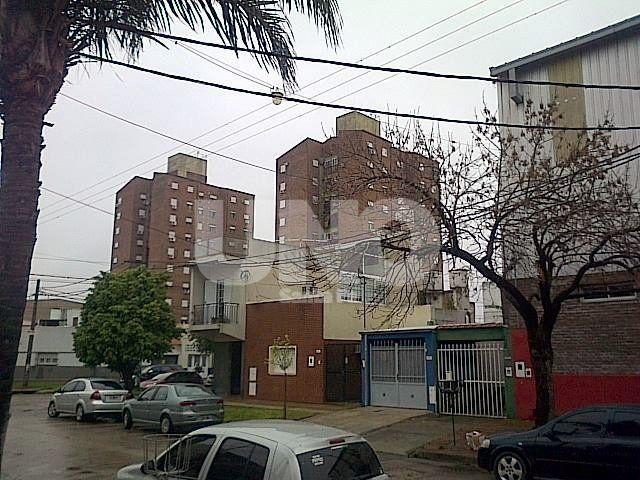 El barrio. Unos 50 vecinos de General Alvear expresaron su preocupación por la instalación del artefacto.