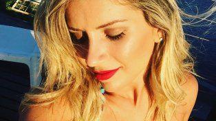 Laurita Fernández se bajó la tanga para mostrar su bronceado hot