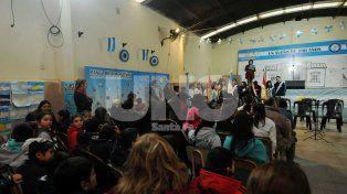 Las escuelas Nº 1.299 y Nº 651 dieron inicio a los festejos del Bicentenario