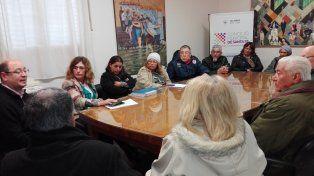 Reunión. Ediles oficialistas recibieron a los más de 30 vecinalistas que se acercaron este martes al Concejo.