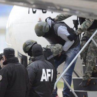 perez corradi tuvo un doble falso y el verdadero se disfrazo de policia en aeroparque