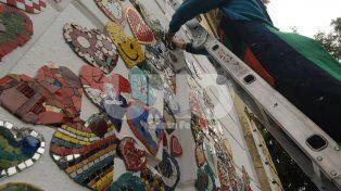 Confeccionan un mural homenaje para René Favaloro en el Iturraspe