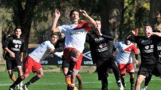 Anselmo marcó un gol este viernes en un amistoso contra Talleres (RE). E