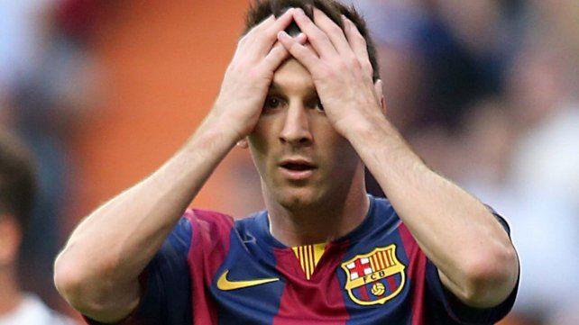 ¡Se fue al pasto! La foto que podría traerle problemas a Messi