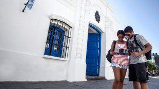Movimiento intenso de turistas pero con bajas ventas para el comercio en el fin de semana largo del 9 de julio