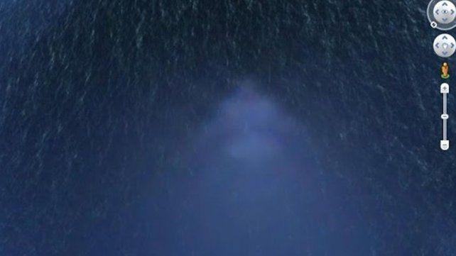 Argentino descubre una pirámide perfecta en el fondo del Pacífico