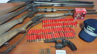 La Policía Vial aprehendió a cazadores furtivos con arsenal de armas y de cartuchos