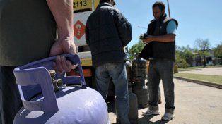 Continúa la venta de garrafas de gas a precio diferencial en distintos puntos de la ciudad